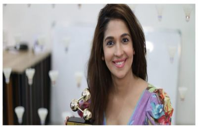Harleen Sethi wants us to STOP addressing her as Vicky Kaushal's EX and she makes a point!