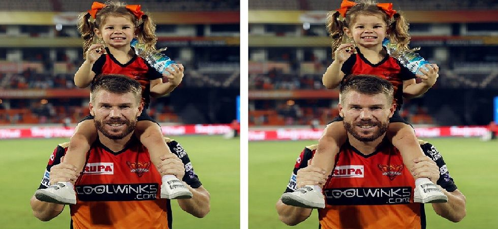 David Warner with his daughter after Hyderabad vs Punjab match on Monday (Photo: Twitter/@SunRisers)