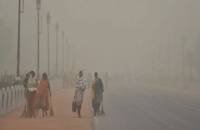 Massive dust storm hits Delhi NCR, traffic snarls reported