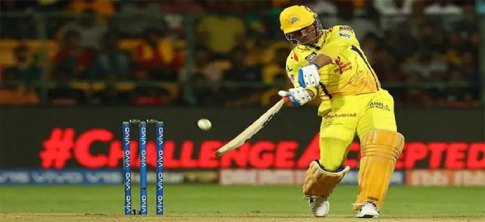 CSK scored 20 runs from last over bowled by Trent Boult with Dhoni finishing with two sixes off final two balls. (Image Credit: Twitter)
