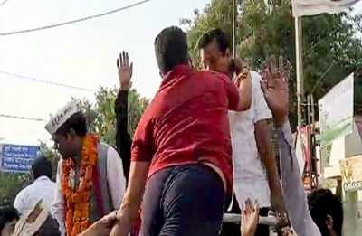 FIR registered against man who slapped Delhi CM Arvind Kejriwal