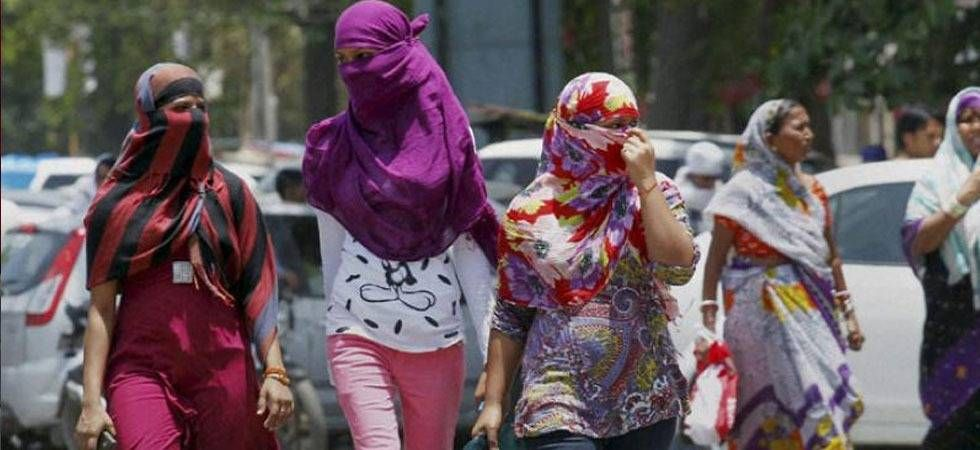 The severe heat can cause heat strokes and heat exhaustion that can lead to symptoms like dizziness, headaches, fainting and others. People should avoid venturing out after 10 am and should try to stay indoors till 5 pm. (File photo)