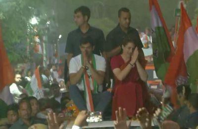Lok Sabha Polls | Priyanka Gandhi holds roadshow with Vijender Singh in Dakshinpuri