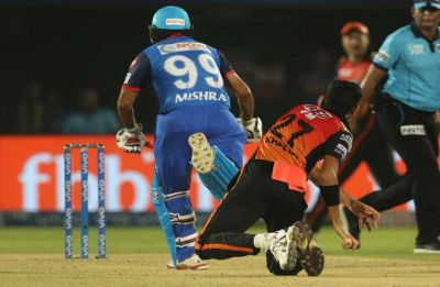 Amit Mishra out obstructing the field in Delhi Capitals vs Sunrisers Hyderabad Eliminator clash