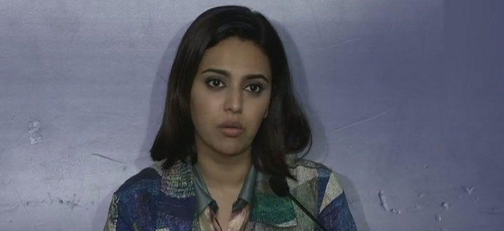 Swara Bhaskar's fan sneakily records video while taking selfie saying 'Ayega toh Modi hi'