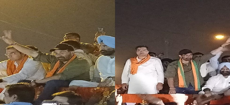 As the cavalcade was passing through the streets, songs from the movie Border and his dialogues from the film Gadar were played in the backdrop. In the Sikh dominated seat, Deol greeted the crowd by 'Jo bole so nihaal'. (Photo: Twitter/@p_sahibsingh)