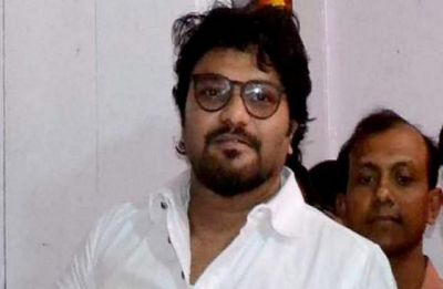 Babul Supriyo's security personnel's vehicle allegedly attacked near Bengal's Basirhat