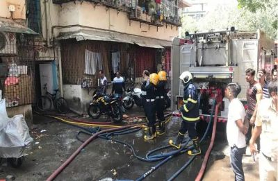 15-year-old killed after fire breaks out in Mumbai's Dadar police station compound