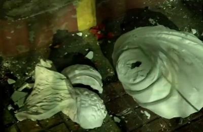 Kolkata: BJP activists allegedly vandalise Vidyasagar's statue during Amit Shah's roadshow
