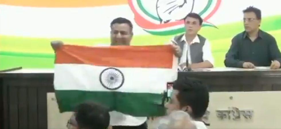 WATCH: Man interrupts Congress presser for referring to Yogi Adityanath as 'Ajay Singh Bisht'