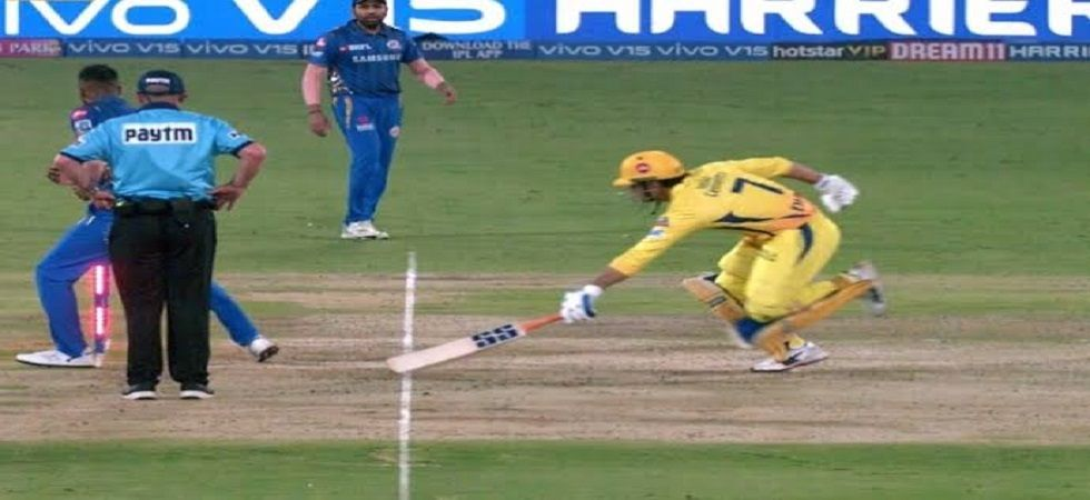 Jimmy Neesham deletes his tweet on MS Dhoni's controversial run out in the IPL final (Image Credit: Twitter)