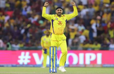 Team management should give Dhoni freedom to attack from start: Harbhajan