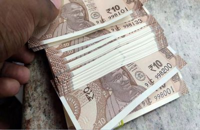 Rupee snaps 3-day winning streak, slips 20 paise to 70.23 against US Dollar