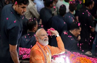 Don't allow PM Modi to travel with motorcade in Varanasi: Congress to EC