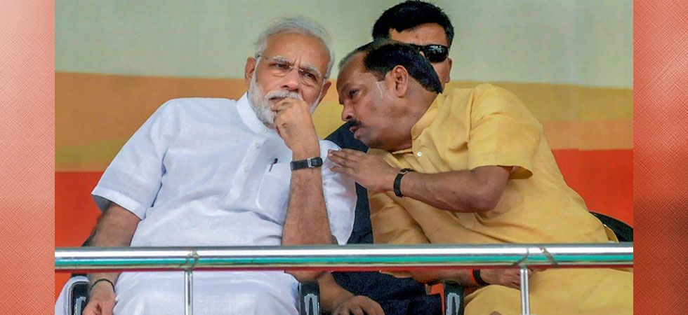 Jharkhand Chief Minister Raghubar Das with Prime Minister Narendra Modi. (File photo: PTI)