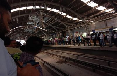 Delhi Metro: Commuters face harrowing time as snag hits Yellow Line, share experiences on social media