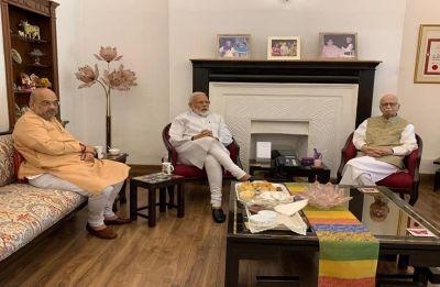 Lok Sabha Election Results 2019: PM Modi, Amit Shah meet LK Advani, Murli Manohar Joshi