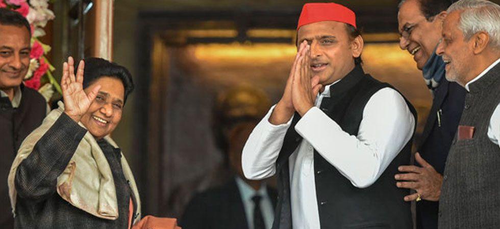 Bahujan Samaj Party chief Mayawati and Samajwadi Party President Akhilesh Yadav. (File Photo: PTI)