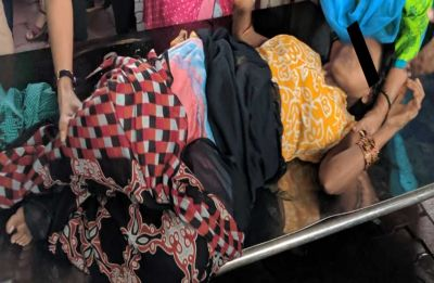 Woman goes into labour on board train in Mumbai, this is what happened next