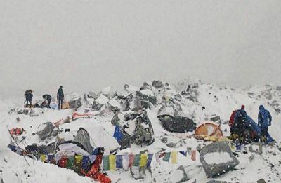 Nepal looks to limit Everest access after deaths, but doubts linger