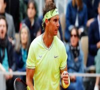 French Open 2019: Rafael Nadal thrashes Roger Federer in straight sets to enter final