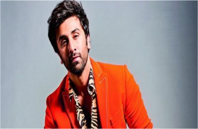 Watch VIDEO: Ranbir Kapoor's fan comes to his rescue, reveals the real reason for sitting on floor