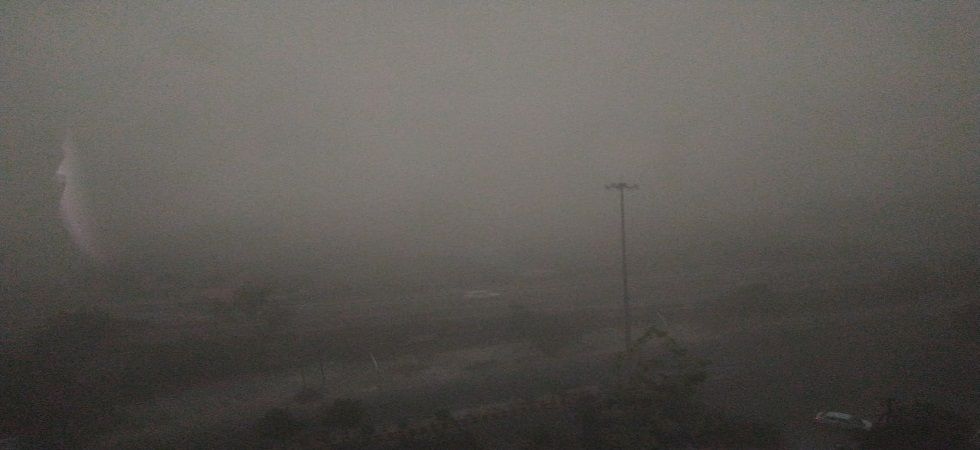 Massive dust storm hits Delhi-NCR, visibility drops in region. (Photo credit: News Nation)