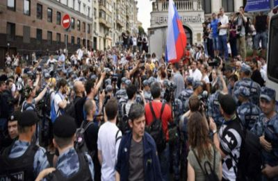 Over 400 arrested at Moscow police abuse march: monitor