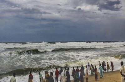 Cyclone Vayu: NDRF team alerts citizens near Jafrabad Port, Western Railway cancels trains