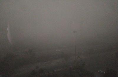 Overcast, pleasant Sunday morning in Delhi; MeT dept forecasts thunderstorm, light rain