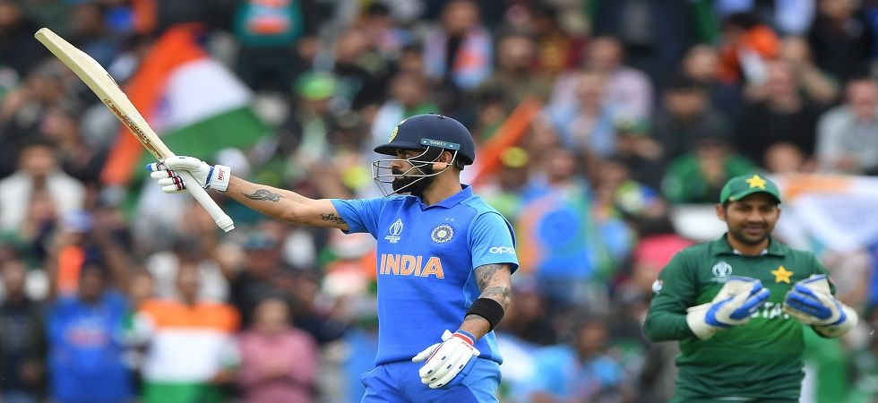 Virat Kohli did not opt for a review after he did not edge a short ball from Mohammad Amir in the ICC Cricket World Cup clash between India and Pakistan in Manchester. (Image credit: Getty Images)