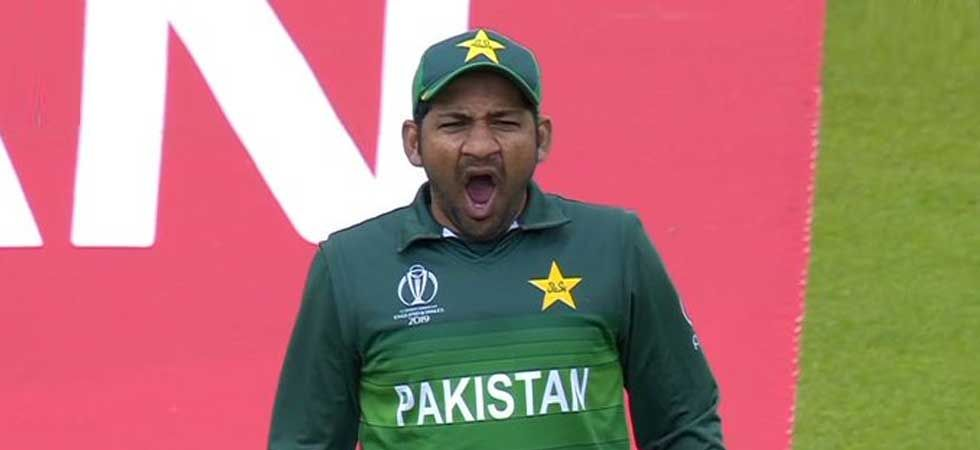 Sarfaraz Ahmed was spotted 'yawning' behind the stumps during the high-pressure India-Pakistan game. (Photo: Twitter)