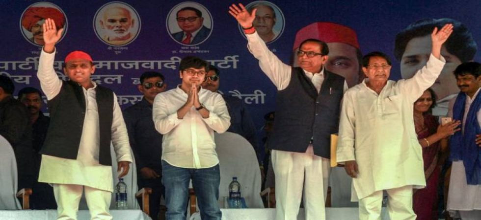 BSP national coordinator Akash Anand with SP chief Akhilesh Yadav and other politicians (File Photo)