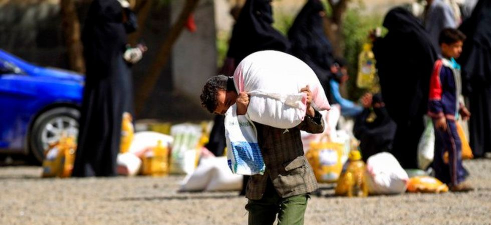 Yemeni rebels blocking food for thousands (File Photo)