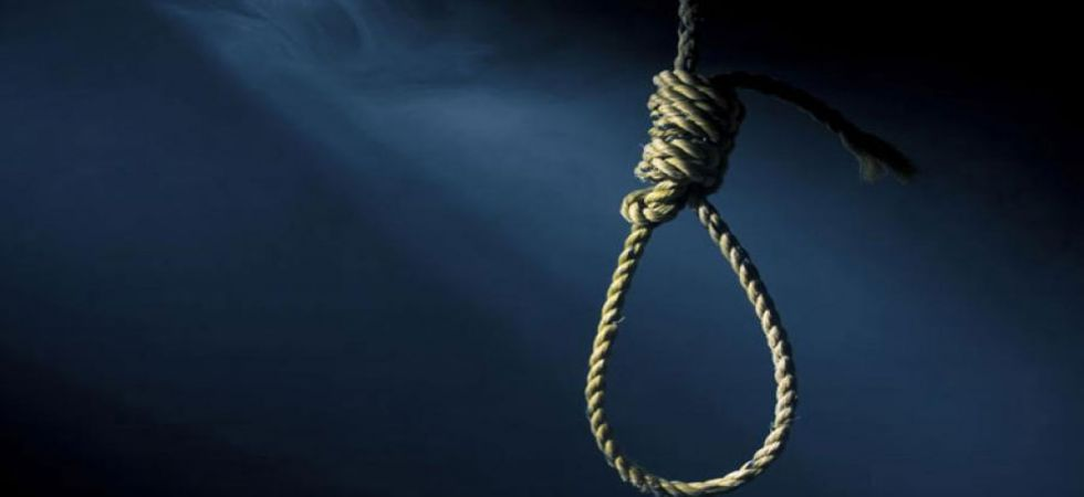12-year-old girl hangs self (Representational Image)