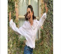 Happy Birthday Karisma Kapoor: Madhuri Dixit, Sonam Kapoor shower wishes with throwback pics