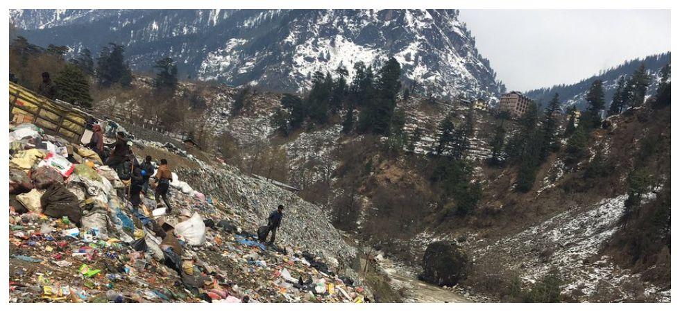 Tourists turn Manali into garbage dump (Photo: Twitter)