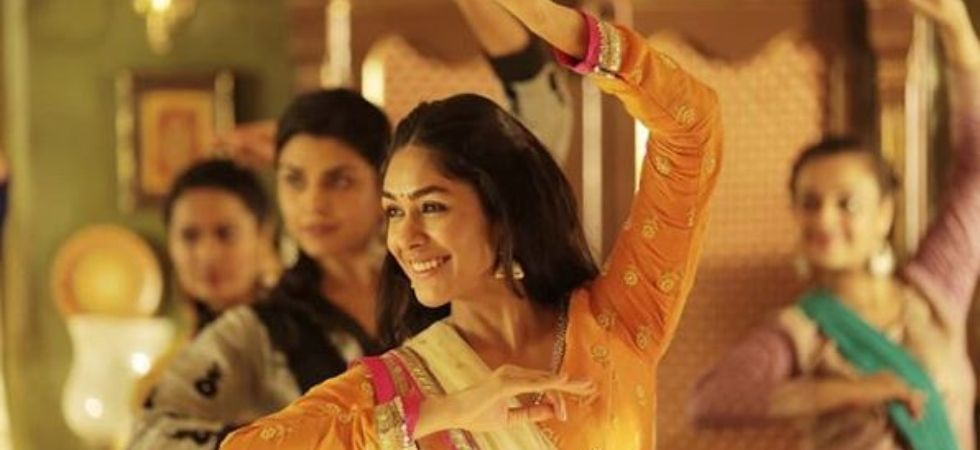 Can't woo audience with glamour: Mrunal Thakur