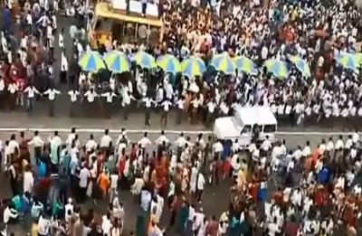 Watch video: Human corridor during Puri Rath Yatra allows free ambulance movement