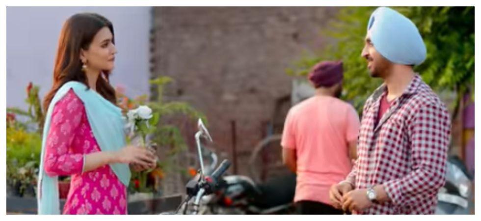 Kriti Sanon and Diljit Dosanjh in 'Sachiyan Mohabbatan' (Photo: YouTube)