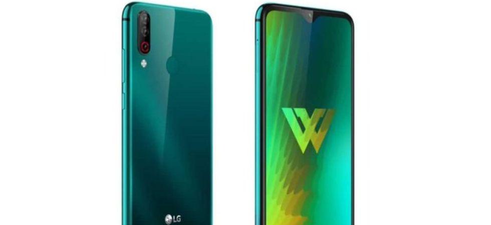 LG W30 Aurora Green colour variant (Photo Credit: Twitter)