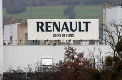 Renault sales fall in weakening auto market