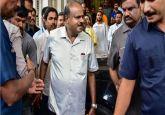 Karnataka Governor asks CM Kumaraswamy to prove majority by 1:30 pm on Friday