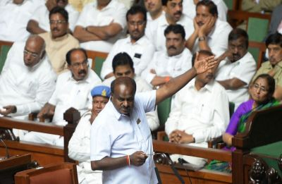 D-day for Kumaraswamy-led Congress-JDS coalition govt as Governor sets deadline of 1:30 pm today