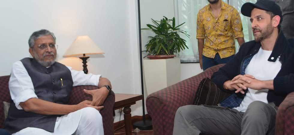 Bihar Deputy Chief Minister Sushil Modi with Super 30 actor Hrithik Roshan. (Photo: Twitter)