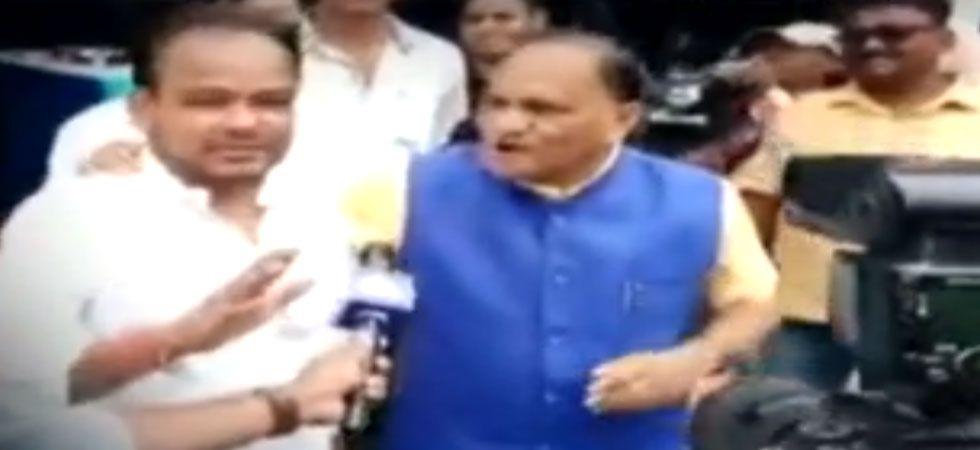 Jharkhand BJP minister heckles Congress Muslim lawmaker (Screen grab)
