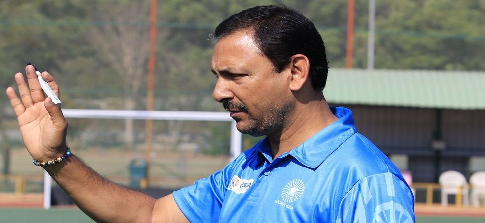 Harendra still open to coach junior hockey team (Image Credit: Twitter)