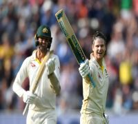 Steve Smith makes superb Test comeback, slams century to boost Australia against England