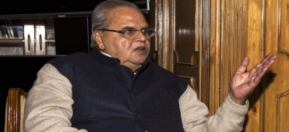 The Army's northern command chief Lt Gen Ranbir Singh briefed Governor Satya Pal Malik about internal and external security situation.