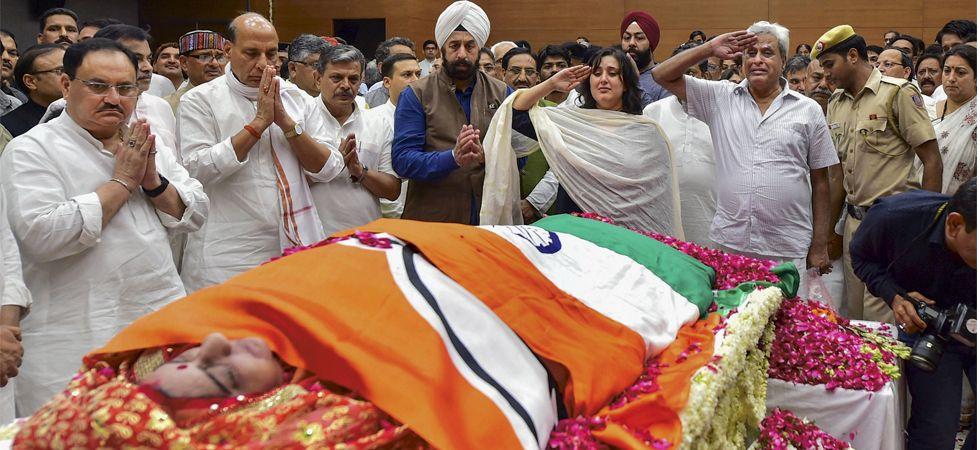 Bansuri Swaraj and Swaraj Kaushal, daughter and husband of Sushma Swaraj pay tribute